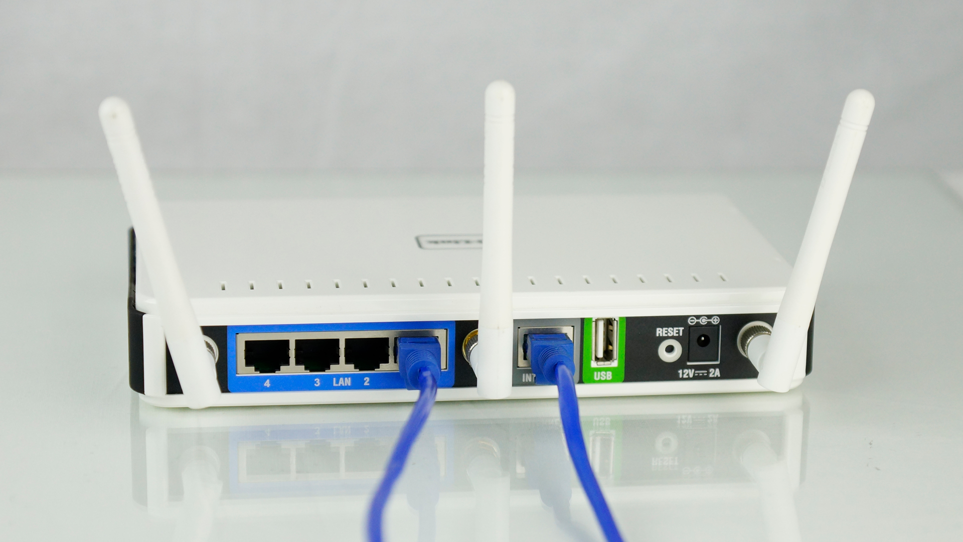 Connect Ethernet Cable to the Internet Router